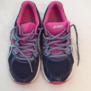 d8ad0cfca17b Oasis. Oasics running shoes woman used twice